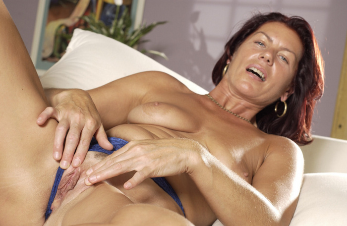 One night stand leaves pussy throbbing